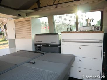 vw t6 und vwt5 california innenausbau von camperx. Black Bedroom Furniture Sets. Home Design Ideas
